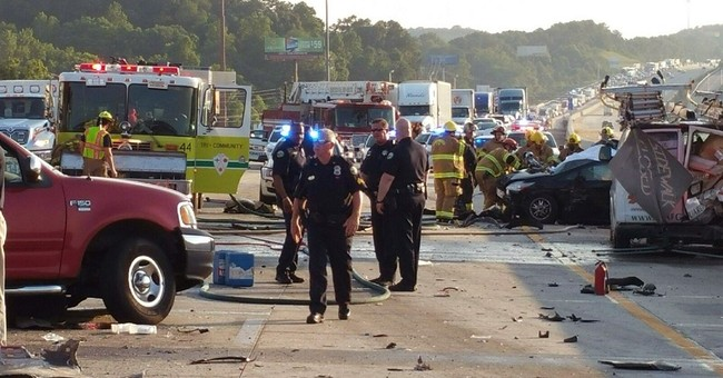 Police identify 6 killed in crash on Tennessee highway