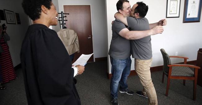 Historic gay marriage ruling stirs emotion across US