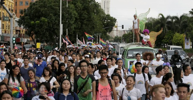 Filipino LGBT people celebrate Gay Pride, US court decision