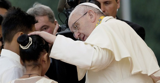 Wedding bells silenced as pope's Philly visit fills hotels