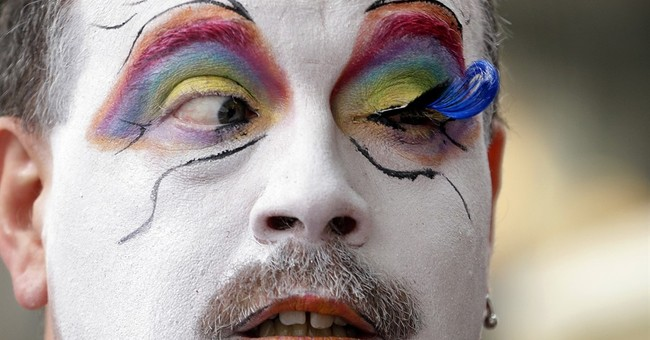 AP PHOTOS: Crowds celebrate US same-sex marriage ruling