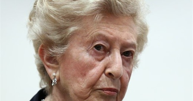Former Auschwitz guard asks God for forgiveness at trial
