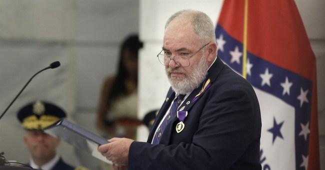 Arkansas soldiers receive Purple Hearts after 2009 attack