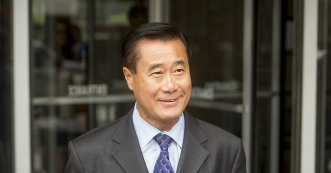 Ex-state senator pleads guilty to racketeering in California