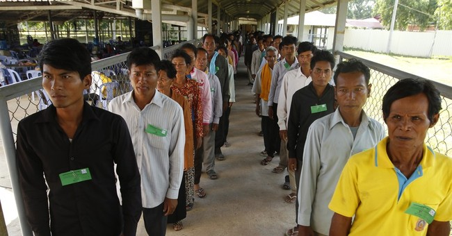 2 former Khmer Rouge leaders appeal convictions