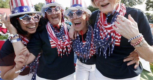 Hot dogs, hot music usher in July 4 weekend