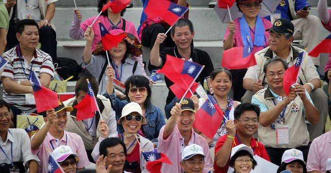 Taiwan stands up to China with World War II military parade