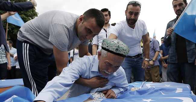 Hundreds march in Istanbul in support of Uighurs