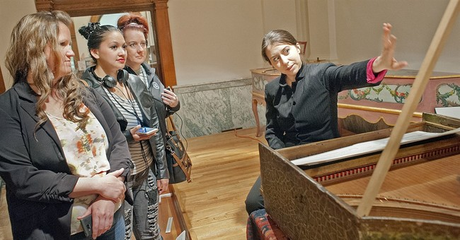 Now playing: Harpsichord of Columbus' era sounds again