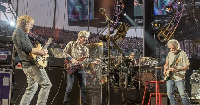 Dead shows set attendance records at Chicago's Soldier Field