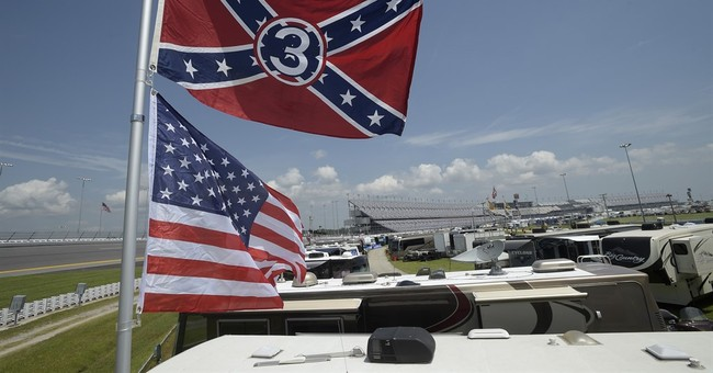 NASCAR fans defend, display Confederate flags at Daytona