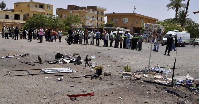 Egypt anti-terror bill speeds trials, tightens hand on media