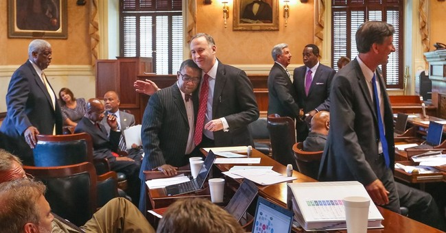 South Carolina House approves bill removing Confederate flag