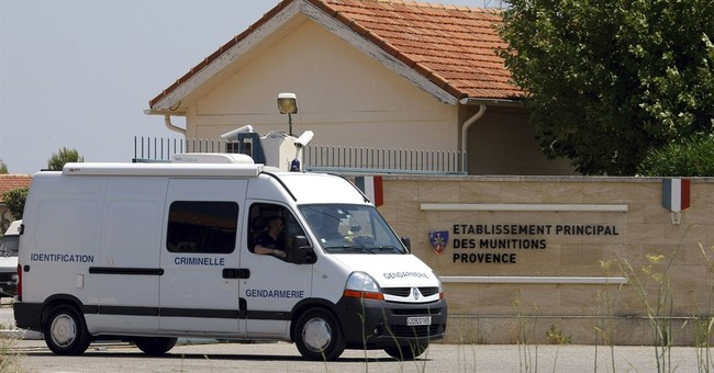 200 detonators, explosives stolen from French military site