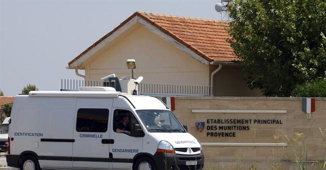 200 detonators, explosives stolen from French military site