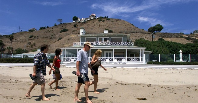 Public finally gets pathway to 'Billionaires' Beach'