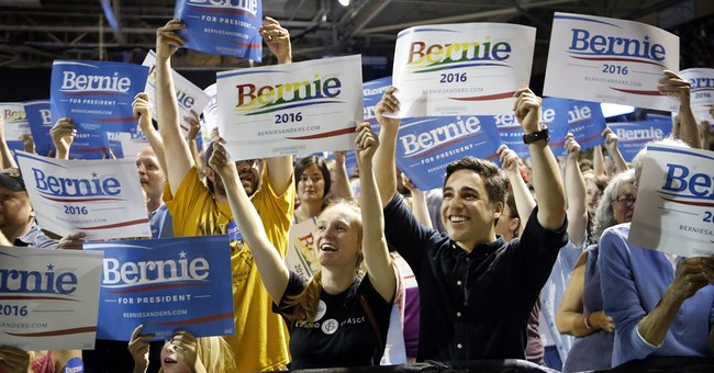Sanders trying to make the most of his booming 2016 crowds