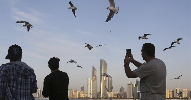 US, UAE launch anti-IS online messaging center in Abu Dhabi
