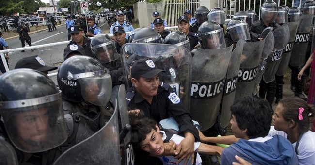Nicaraguan police beat protesters and harass journalists