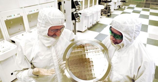 IBM claims breakthrough in making chips even smaller