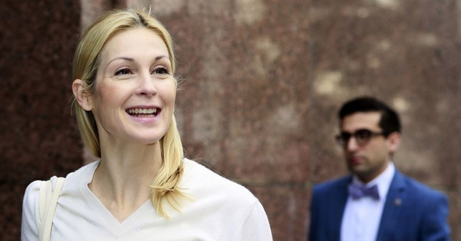 Actress Kelly Rutherford testifies at custody hearing