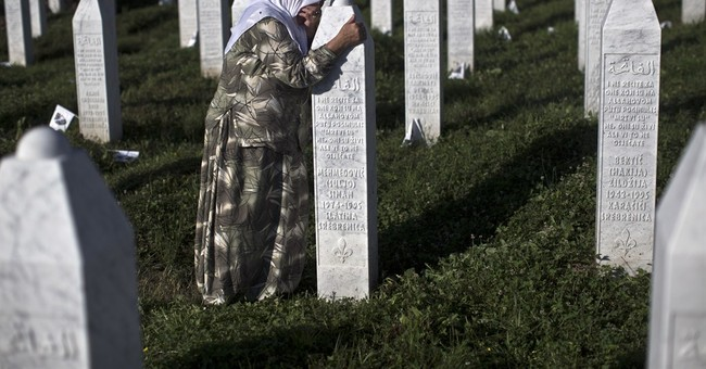Serbia PM attacks at Srebrenica ceremonies