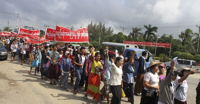 Myanmar workers demonstrate for higher minimum wage