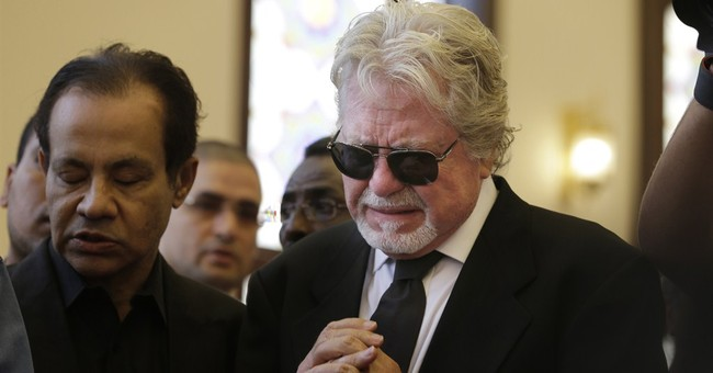"Omar Sharif, star of ""Lawrence of Arabia,"" buried in Cairo"