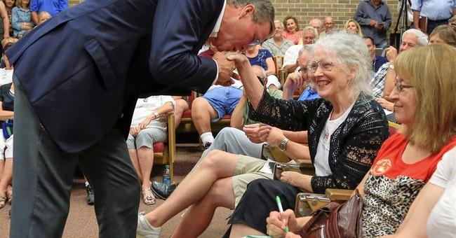 Bush swipes Clinton's economic plan, says his will grow jobs