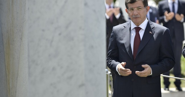 Turkish PM Davutoglu kicks off coalition-building talks