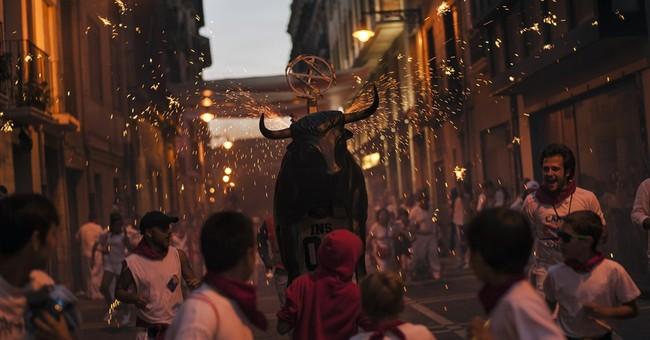 Spain: 2 gored in Monday's Pamplona bull run