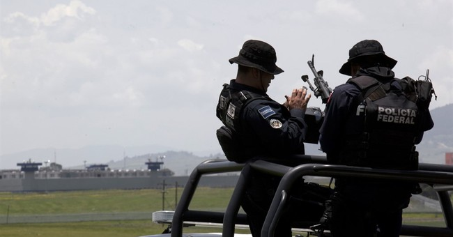 Mexico searches nationwide for escaped drug lord