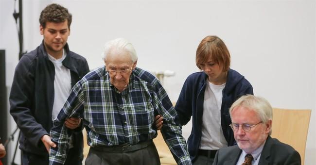 Defense seeks acquittal for former Auschwitz guard, 94