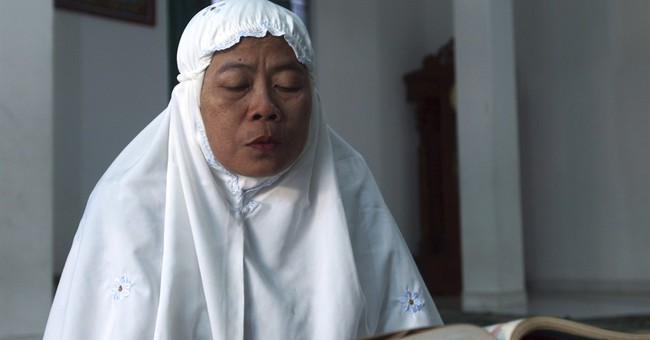AP PHOTOS: Indonesian Muslims in Bali observe Ramadan