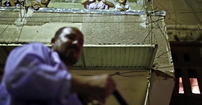 AP PHOTOS: At Ramadan, Cairo callers wake you up before dawn