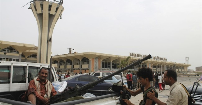 Yemeni troops battle Shiite rebels in Aden neighborhoods