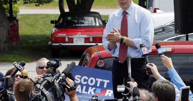 Court ends probe of GOP hopeful Walker's recall campaign