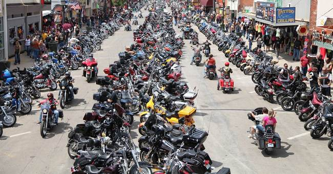 Daugaard urges watchfulness, care on roads for Sturgis rally
