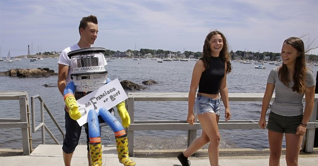 Hitchhiking robot embarks on coast-to-coast tour across US