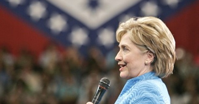 Hillary Clinton returns to Arkansas, now behind GOP lines