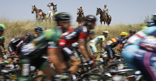 The Latest: Sagan deeper in green after Tour's 13th stage