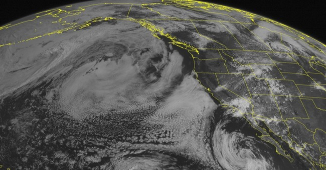 Storms close beaches, causes power outages in California