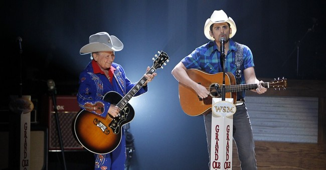 Little Jimmy Dickens, oldest Opry member, dies at 94