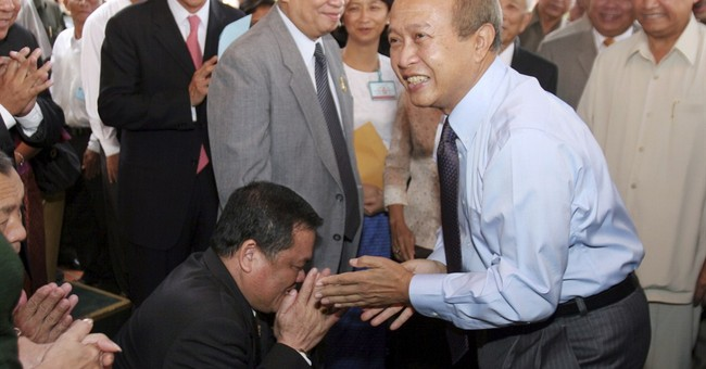 Cambodian prince returning as royalist party chief