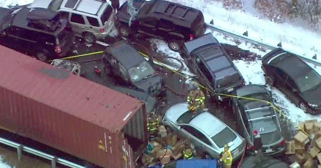 12 hurt in 35-vehicle pileups in New Hampshire