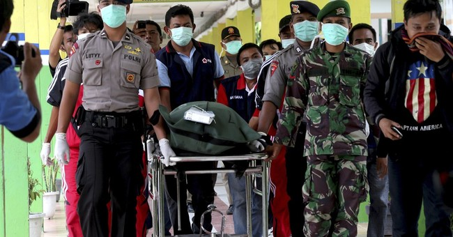 2 large objects found in AirAsia wreckage hunt