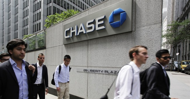 Fed directs 8 biggest US banks to hold extra capital