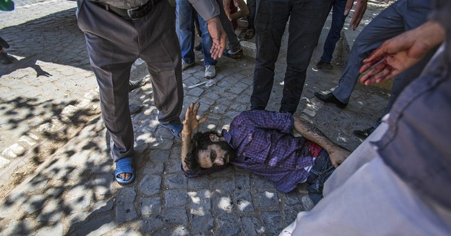 Turkey suspects Islamic State behind bomb that killed 31