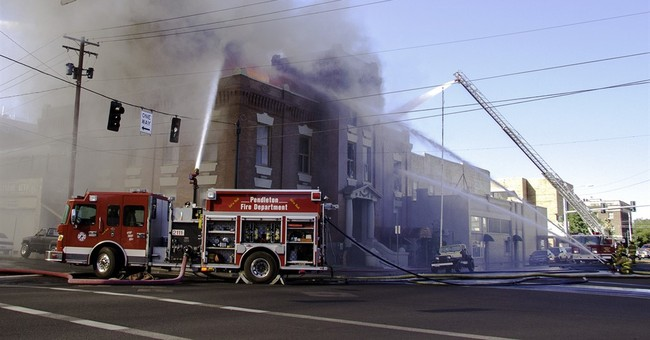 Explosion, fire rip through Oregon building; 1 dead, 2 hurt