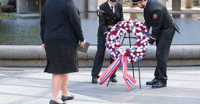 Norway honors 77 victims of extremist attacks in July 2011
